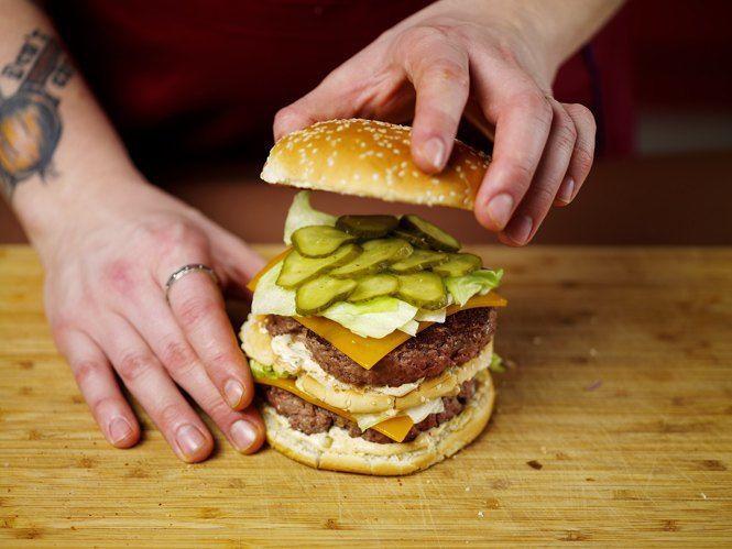 Как приготовить настоящий «Биг Мак» на домашней кухне. Изображение №37.