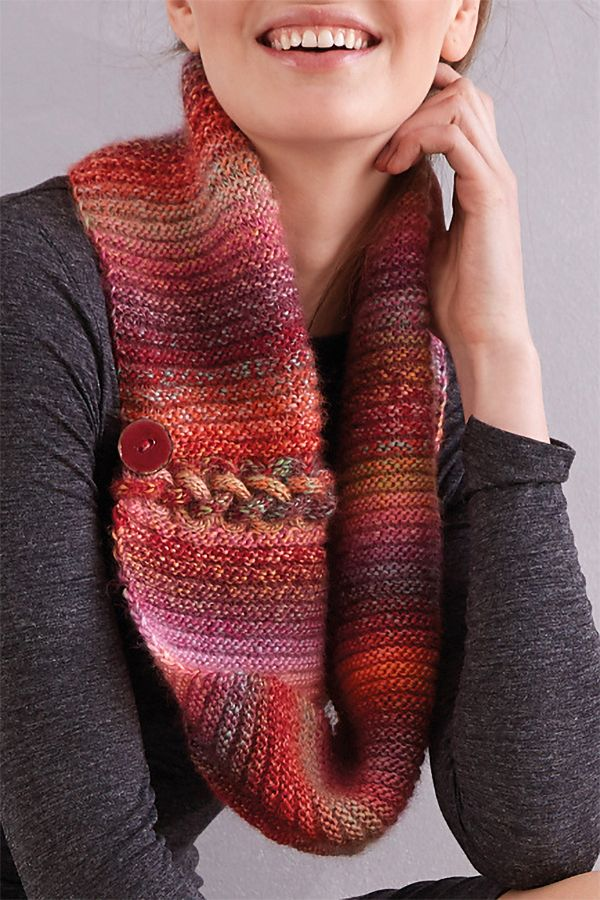 0f4bf4a072b1 Free Knitting Pattern for Ombre Cowl - This stylish ribbed cowl ...