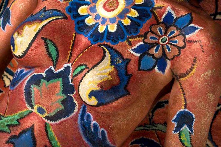 "body painting  gallery - amazing fine art body painting, ""körperbemalung"", persian carpet, persa teppich,  human transformation, бодипейнтинг"