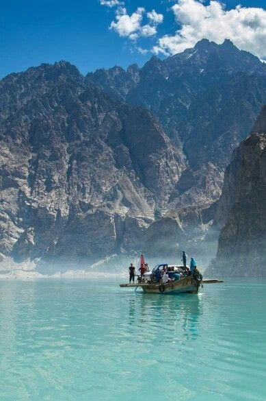 AttaBaD LaKe, GoJaL VaLLeY, HuNzA, PaKisTaN  !!!