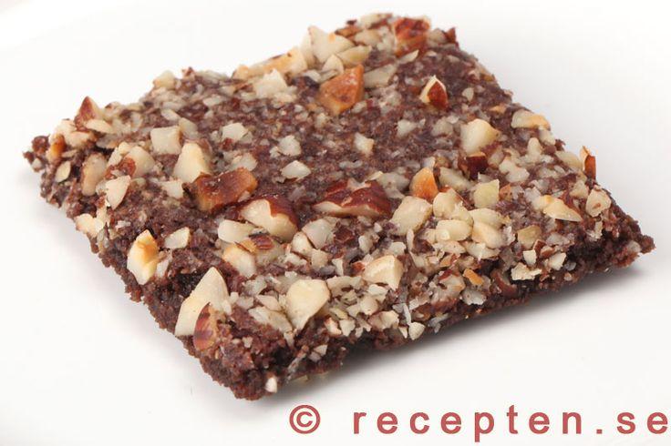 Mycket goda nötchokladrutor - mjuksega chokladrutor med knapriga nötter. Enkelt recept med bilder steg för steg.