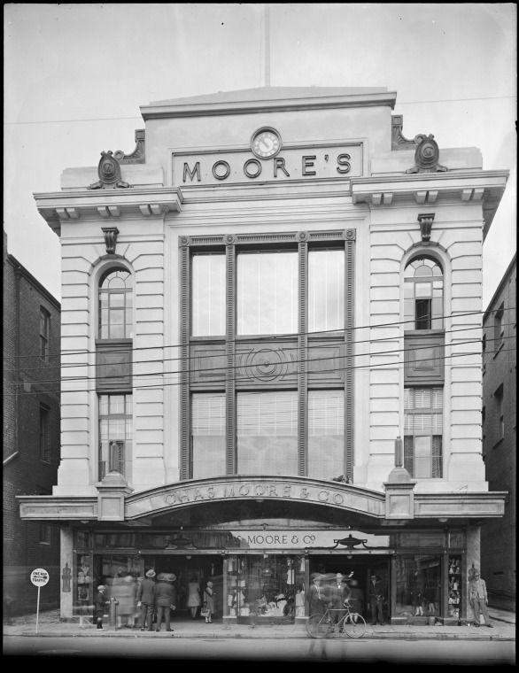 100310PD: Moore's department store, Perth, the Murray Street side, 1929 https://encore.slwa.wa.gov.au/iii/encore/record/C__Rb3473356