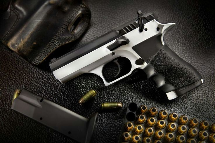Baby Desert Eagle.. I have lust in my heart for this sidearm.