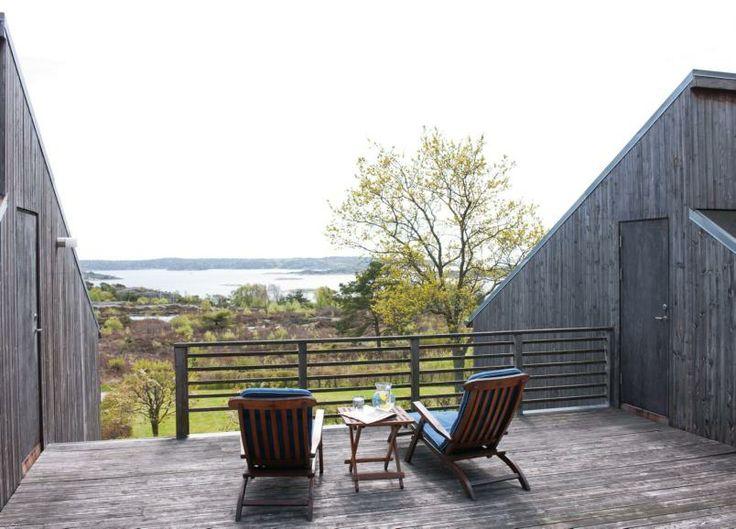 Vidstrakt: På den øverste terrassen mellom de to bygningskroppene er det en flott utsikt.