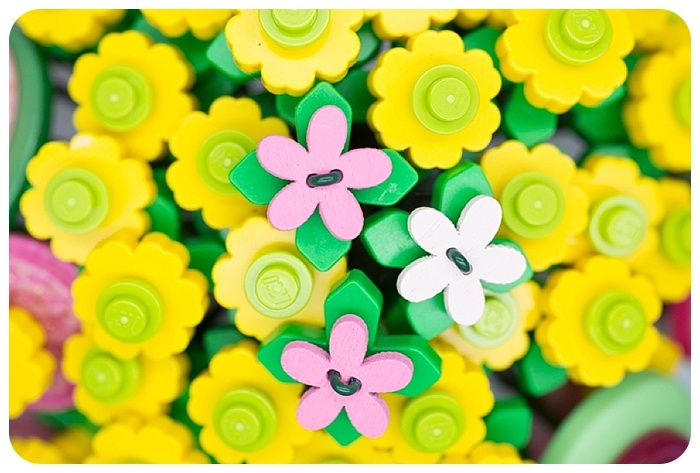 L'esperienza di Silvia con Unusual Bouquet, attraverso il Bouquet Lego con tonalità greenery.  #unusualbouquet #bouquetsposa #bouquet #bouquetalternativo #bouquetparticolare #bouquetfattoamano #bouquetsposaparticolari #bouquetbottoni #fioredicarta #bouquetsposaparticolare #bouquetfioresingolo #fioribouquet #bouquetdifioridicarta #bouquetdicarta #bouquetgioiello #bouquetmatrimoniocivile #bouquetconfioridicarta #wedding #unconvetional #abitodasposa #bouquetparticolare #greenery