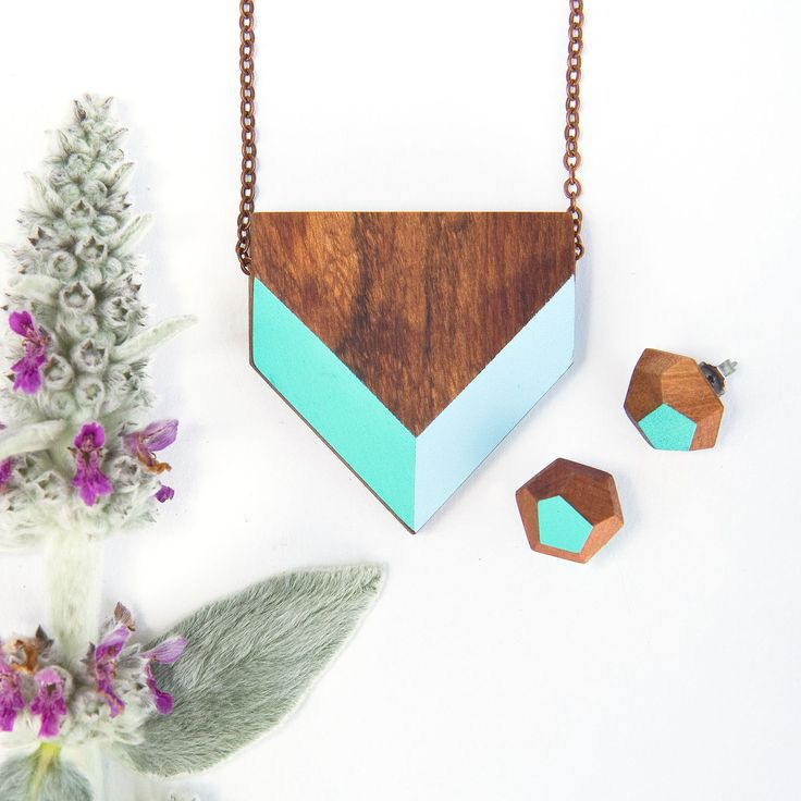 Gwyneth Hulse Design chevron necklace with a set of small faceted studs, handmade from native timbers and polished with natural beeswax polish #foundonfelt #aklfair #newzealandmade #pinandwin
