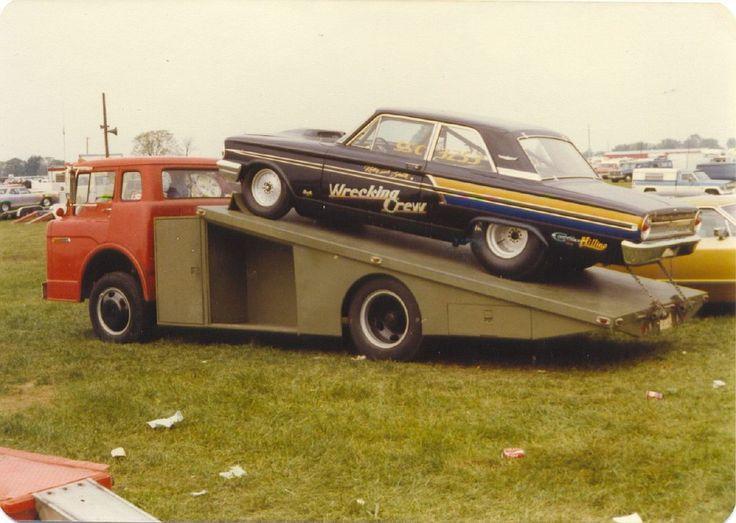Wrecking Crew T bolt - C600 Ford Ramp Truck.jpg