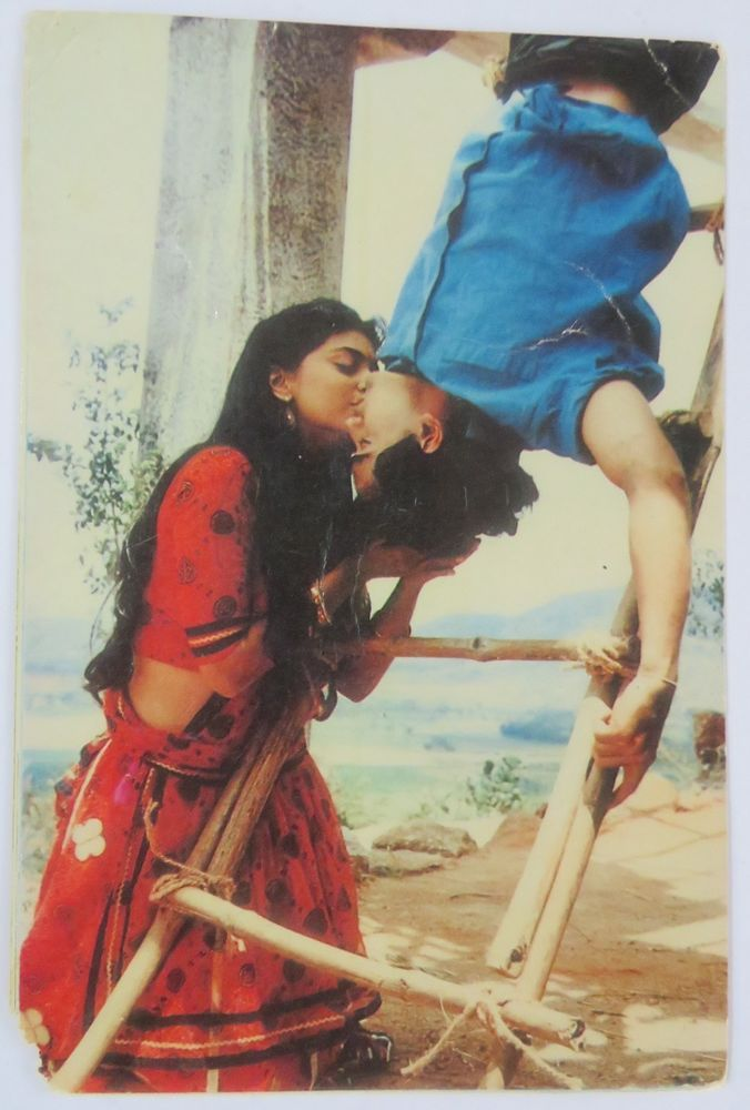 JUHI CHAWLA AMIR KHAN MOVIE ACTOR BOLLYWOOD Picture postcard 15 CM X10 CM Q1