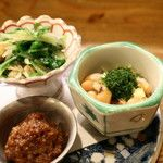 志ま平 - 料理写真:前菜 (肉味噌、大豆の煮物・みそ豆、水菜とお揚げの炊いたん)
