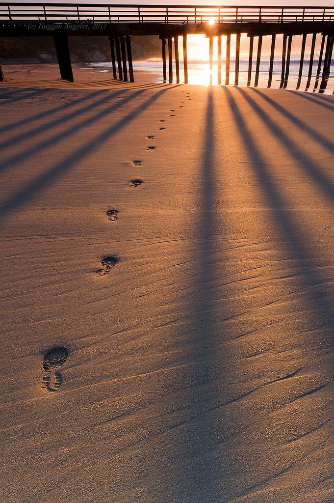 Foot prints in the sand. By Hug n Angels via Flickr: http://www.flickr.com/photos/hugnangels/