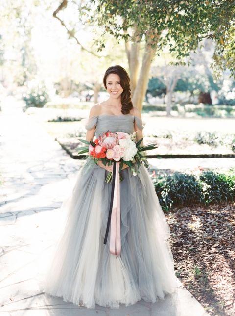 Sareh Nouri Ball Gown | The Happy Bloom | http://heyweddinglady.com/ modern-preppy-wedding-shoot-coral-gray/