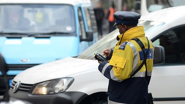 Traffic wardens 'to be replaced by volunteers' in new police powers shake-up Unpaid police volunteers will gain new powers, including the issue of fixed penalty notices. OH, FFS!!!