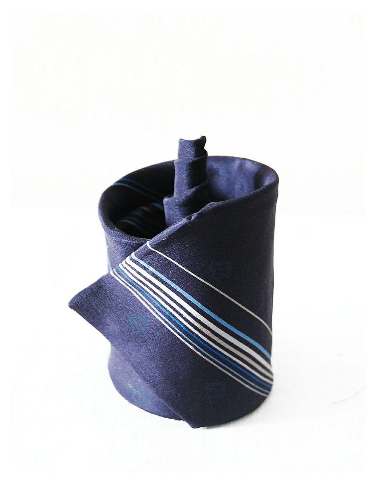 Gemma Rabionet, TIE BLUMEN: Spiral tie = Blumen