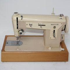 a picture of a sewing machine