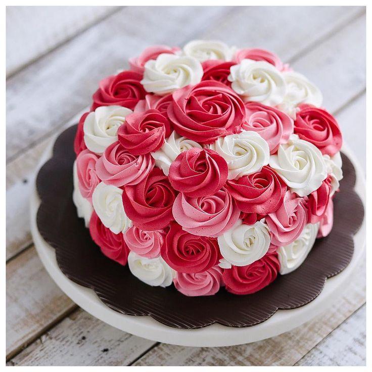 Rose cake                                                                                                                                                                                 Mais