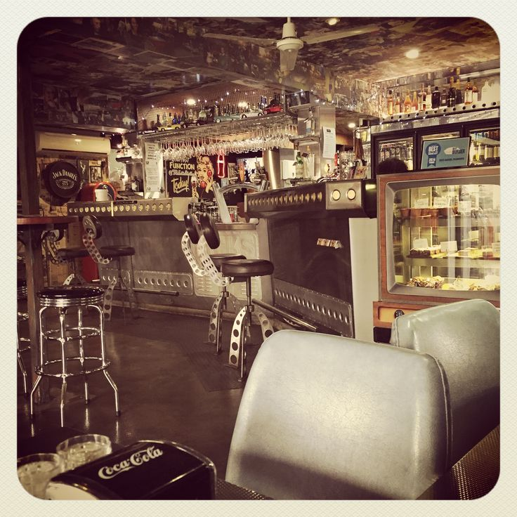 Rick's Garage Diner, Palmwoods