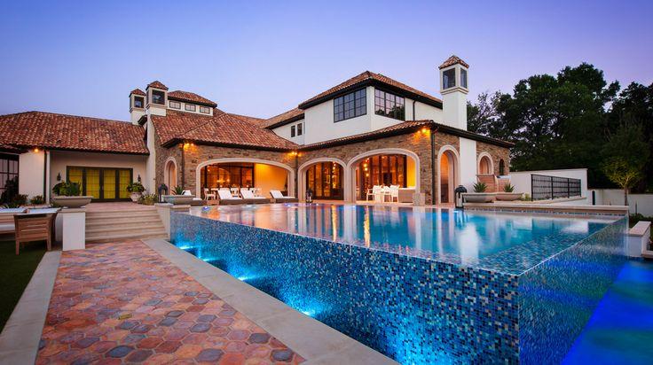 Jordan Spieth's New Pool http://www.housebeautiful.com/design-inspiration/celebrity-homes/g3420/jordan-spieth-dallas-house/