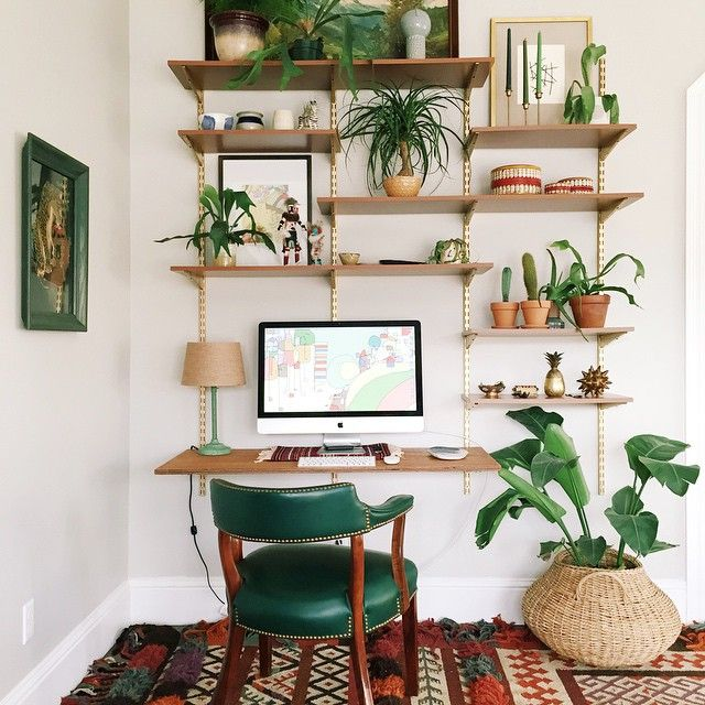 Combine with rope knotted hanging shelf idea.