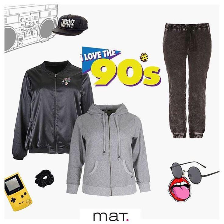 Yποδεχόμαστε με χαρά το come back των 90's και γυρνάμε τον χρόνο πίσω, στην δεκαετία που το minimal ήταν η επιτομή του sporty chic και της casual φινέτσας. 🕹Τα 90's σύνολα μας κάνουν να νιώσουμε πάλι έφηβοι! Φόρεσε τα και εσύ! Αγόρασε το bomber jacket [code: 661.4092] Aγόρασε την sporty γκρι ζακέτα [661.4073] Αγόρασε το grunge grey τζιν σε baggy γραμμή [code: 663.2030] #matfashion #realsize #90s #90sgrunge #90smusic #psblogger #plussize #collection