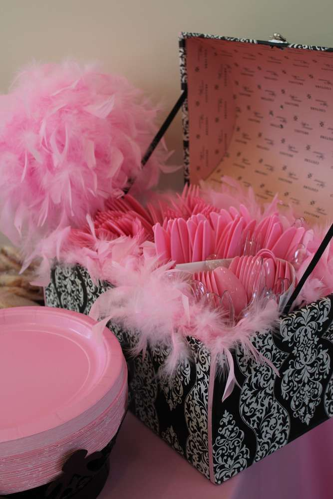 Vintage crown w/ pink damask, feathers & black & white Birthday Party Ideas | Photo 4 of 141 | Catch My Party