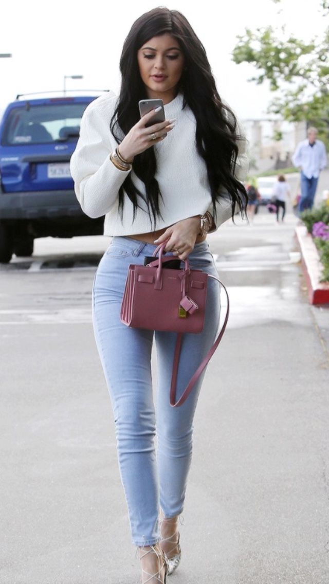 good kylie jenner sweater outfits