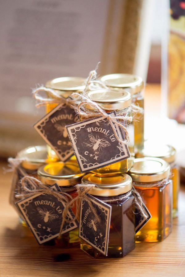 Honey favors    #wedding #weddings #weddingideas #aislesociety #rusticwedding #summerwedding