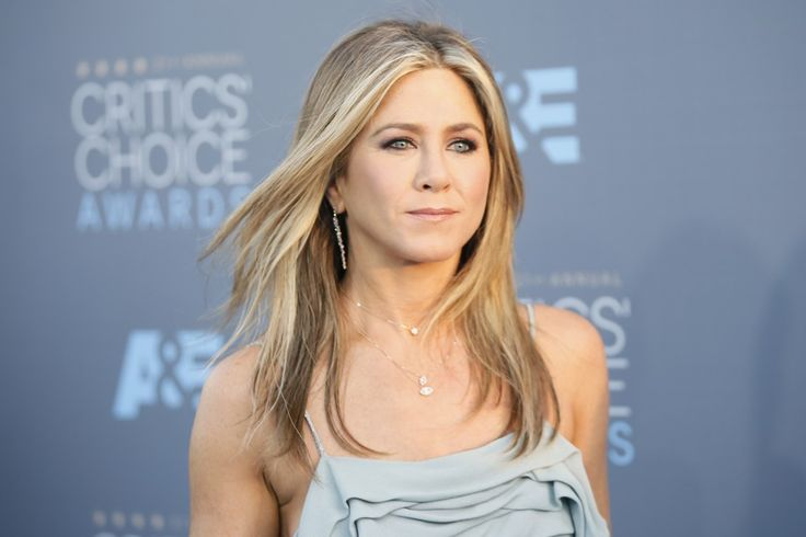In a Huffington Post Essay, Jennifer Aniston Indicts the Tabloid Obsession With Whether or Not She's Pregnant - The Atlantic