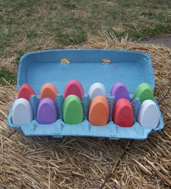 DIY egg sidewalk chalk for happy Easter day gifting. Cute. Plaster of Paris and tempera paint.