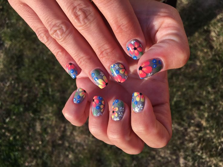 Summer nails, flowers, love nails! ❤️💜💛