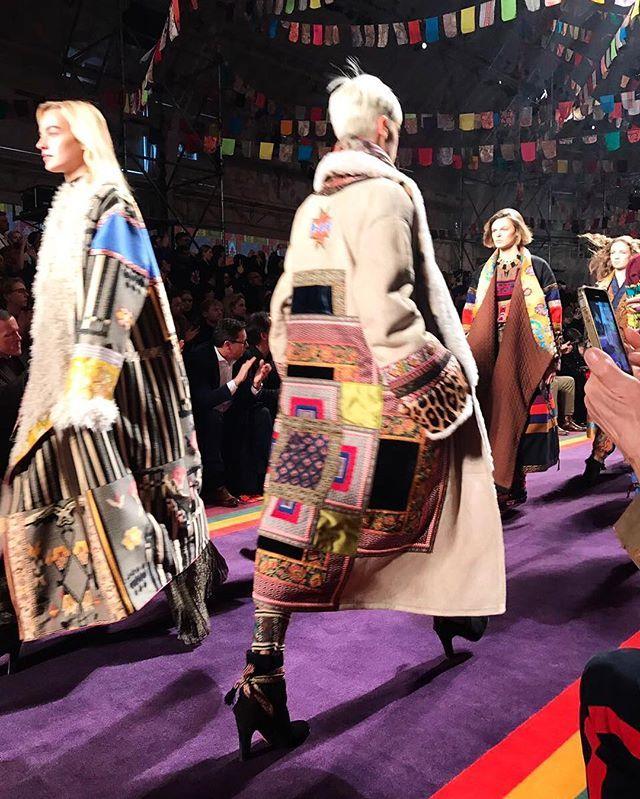 #EtroPaisleyTribe at FW17 show !/ Этнические мотивы на показе @Etro - пальто-кимоно из овчины твидовые парки в стиле пэчворк и струящиеся платья в пол.  via VOGUE RUSSIA MAGAZINE OFFICIAL INSTAGRAM - Fashion Campaigns  Haute Couture  Advertising  Editorial Photography  Magazine Cover Designs  Supermodels  Runway Models