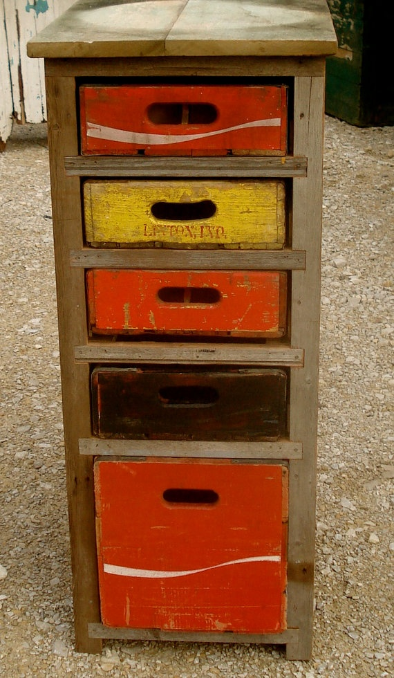 9 best images about old coke crate stuff on pinterest for Wooden soda crate ideas