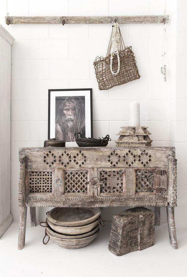 Alabaster Trader store. Old damchiya. Rustic, ethnic decor. Global Style. Photography @villastyling
