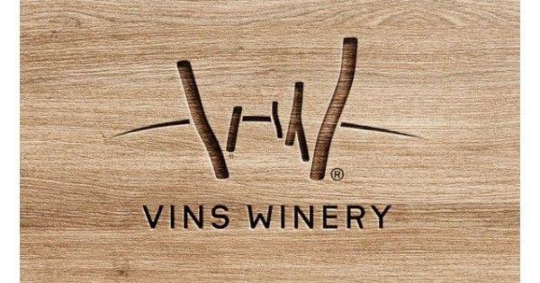 Richard Tóth - vinár, ktorý stojí za úspechom značky Vins Winery sa pri tvorbe svojich vín snaží zachovať harmóniu, čistotu vôní a chutí tak, aby vína v maximálnej miere priznávali svoj odrodový charakter. Spracovanie hrozna a výroba vína prebieha pomocou najmodernejších technológii a