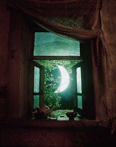 Tea and the moon.  ABSOLUTELY PERFECT!: Nightlight, Window, Dreams, Moon, Night Lights, Crescents, Bohemian Home, Moonlight, The Moon
