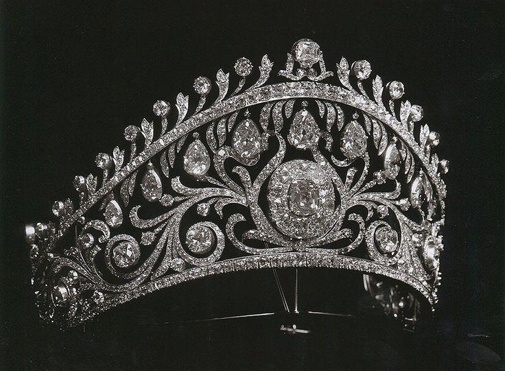 Diamond Kokoshnik of Grand Duchess Elena Vladimirovna of Russia, who married Prince Nicolas of Greece. Circa early 1900s.