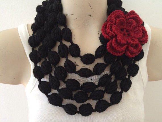 Bolla nera sciarpa collana con fiore rosso