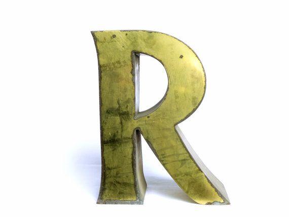 R large lettre signe vintage métallique par LeGrenierDeFrancine