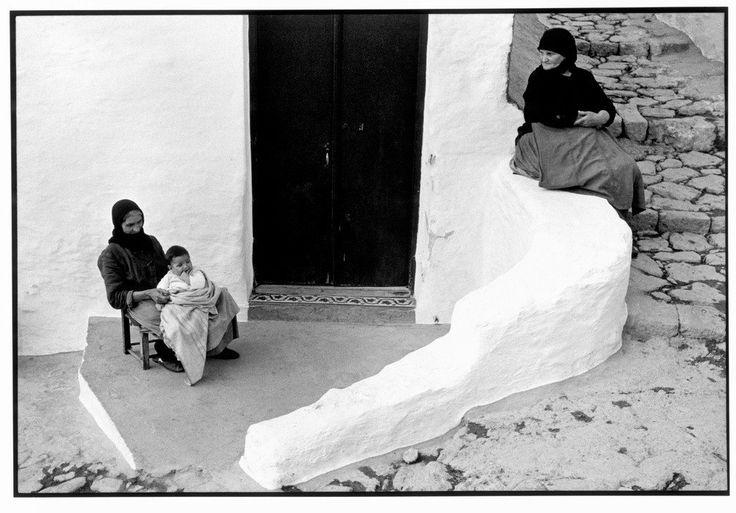 Constantine Manos 1967. Skyros. 1967. Grandmother with grandchild.