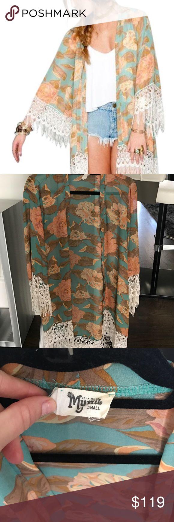 Show me your mumu kimono Sz Small Show Me Your Mumu metzler kimono. Perfect cover up or over dresses. Show Me Your MuMu Accessories Scarves & Wraps