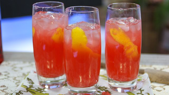 RECIPE: Campari Grapefruit #LowCal #Cocktail #Recipe