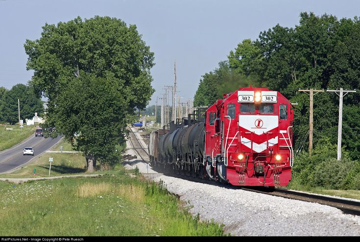 RailPictures.Net Photo: INRD 302 Indiana Rail Road EMD RDSLUG/RDMATE at Robinson, Illinois by Pete Ruesch