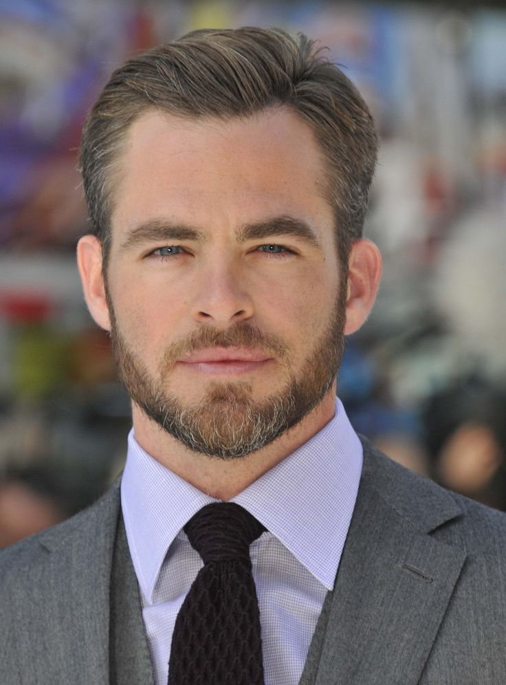 chris pine with a beard and grey hair pretty sexy