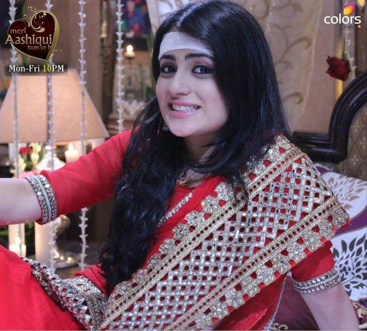 Radhika Madan burns herself : Tv Talks
