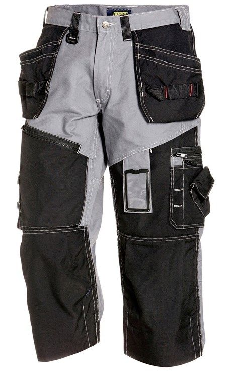 These Blaklader Pirate Shorts X1500 come with knee pad pockets plus numorous pockets for your tools and other stuff.