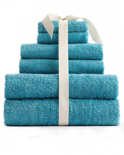 1000 ideas about fold towels on pinterest towels for Bathroom towel folding designs