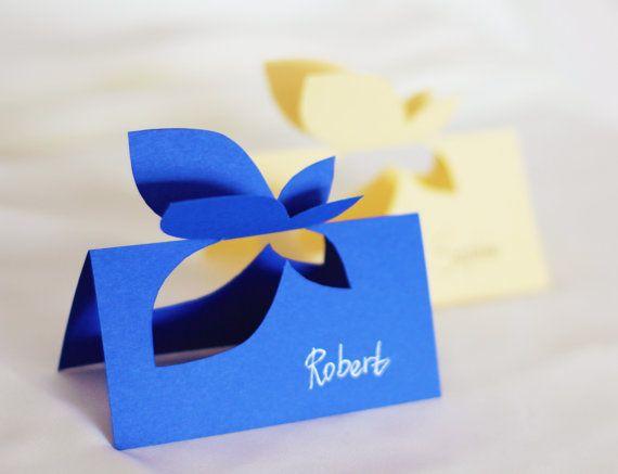 Lot de 10 beau papillon en forme de marque-places. Toutes les cartes sont fait à la main de papier de couleur de qualité. Chaque nom est                                                                                                                                                     Plus
