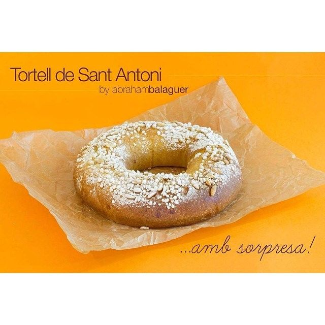 Felicitats a tots els Antonis!!! Felicidades Antonios!! #santantoni #sanantonio #tortell #roscon #girona #sweets #sweetsbyabrahambalaguer #d...