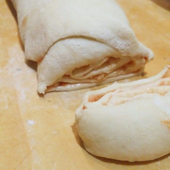 """Girelle di pizza di Montersino dal libro  """"piccola pasticceria salata"""""""