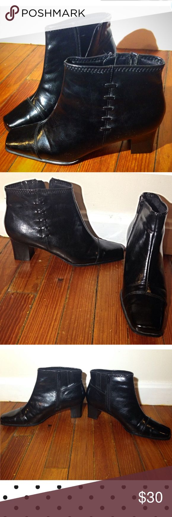 ❤3 HOUR SALE ️Size 9 Black Ankle Boots Heeled Excellent condition❤️ Size 9 Black Heeled Ankle Boots by Life Stride great for spring summer! Work, parties, formal and informal events, casual wear, office attire, cocktail parties Life Stride Shoes Heeled Boots