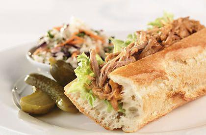 Le sandwich de porc braisé barbecue, une autre délicieuse façon de savourer le porc du Québec.
